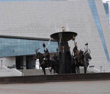Выставка казахстанского художника Карипбека Куюкова