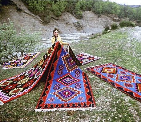 Выставка «Искусство Дагестана. К 220-летию имама Шамиля»