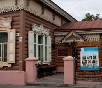 "Exhibition of artist-ceramist Yuri Grachev ""What fingers can do"""