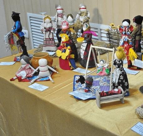 Выставка мастеров народно-прикладного творчества «Университета третьего возраста»